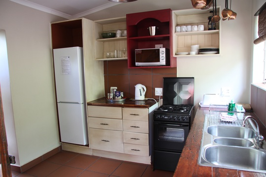 Apartment 5: Fully Equipped kitchen