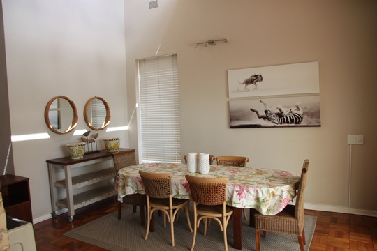 Apartment 1: dining room area